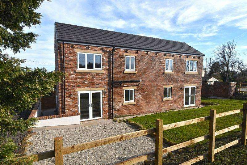 3 Bedrooms Detached House for sale in New Road, Old Snydale