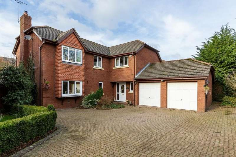 5 Bedrooms Detached House for sale in 2 Crowton View, Norley