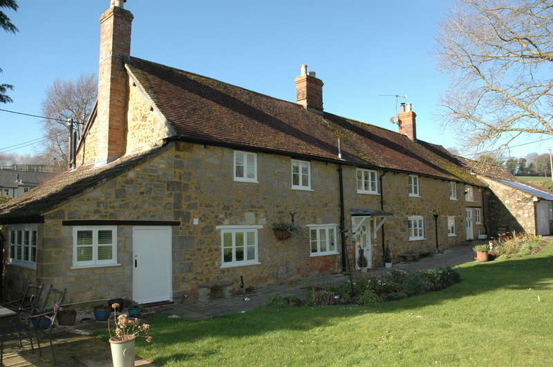 4 Bedrooms Property for sale in The Old Farmhouse, Comprton Abbas, Shaftesbury, Dorset, SP7 0NH