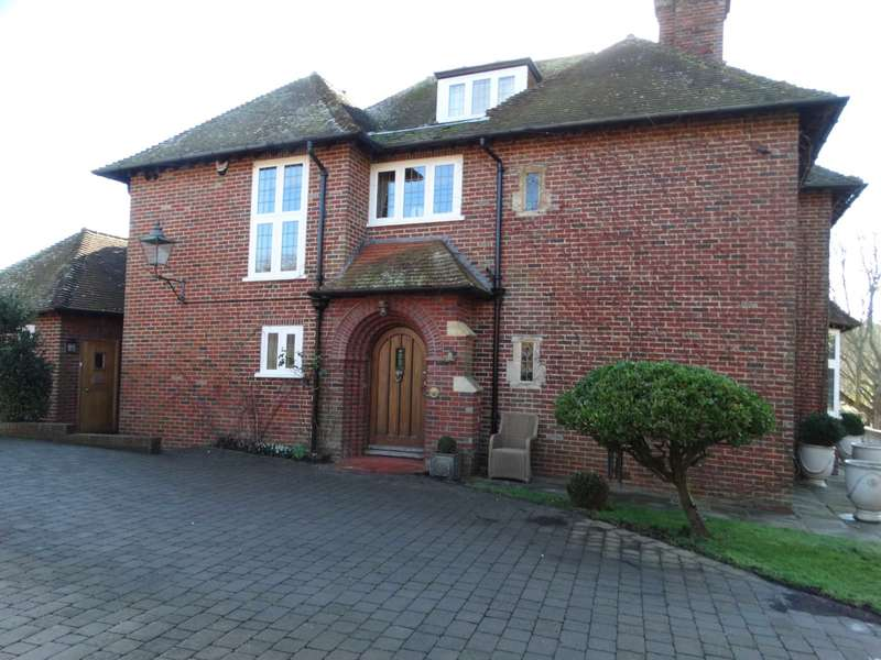 5 Bedrooms Detached House for sale in Firle Road, Seaford