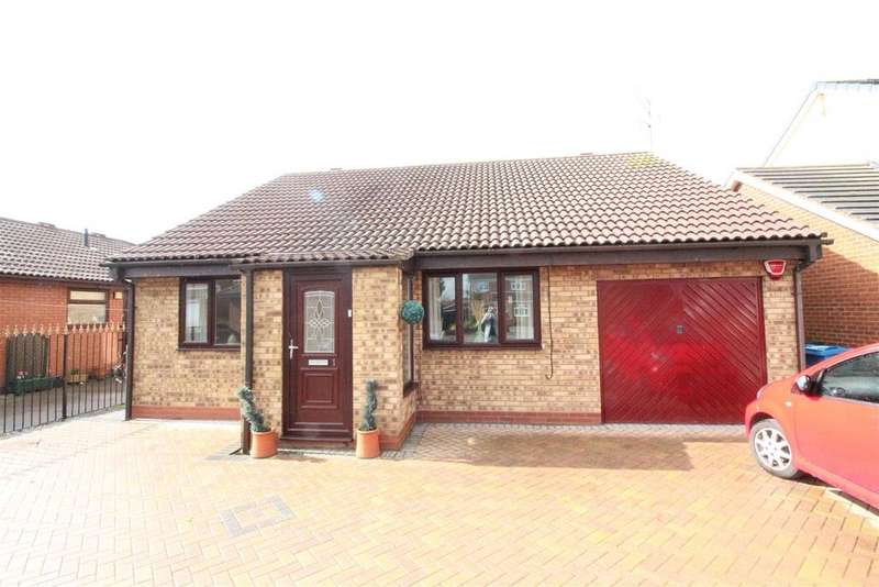 4 Bedrooms Detached Bungalow for sale in The Hawthorns, Hull