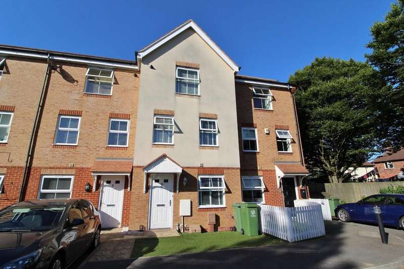 4 Bedrooms Town House for sale in Lacey Road, Milton