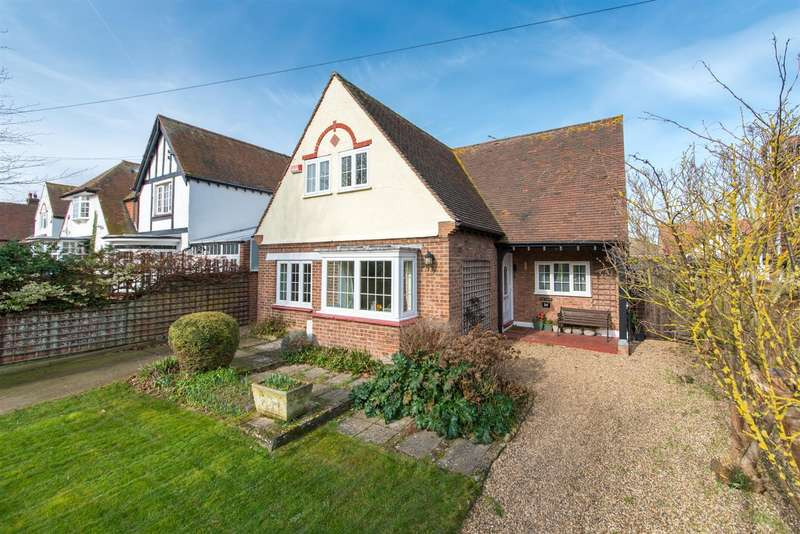 4 Bedrooms Detached House for sale in Carlton Road West, WESTGATE-ON-SEA