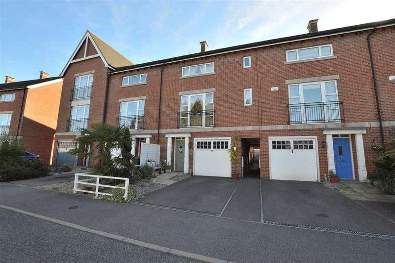 4 Bedrooms Town House for sale in Brooke Close, Belper, Derbyshire