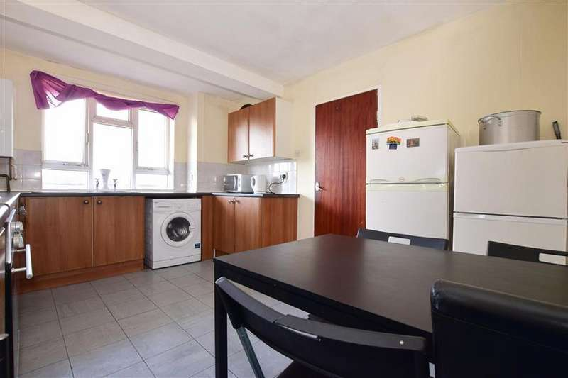 4 Bedrooms Maisonette Flat for sale in Foster Road, Portsmouth, Hampshire