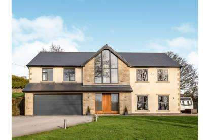 4 Bedrooms Detached House for sale in Harryfields, Broadbottom, Hyde, Greater Manchester