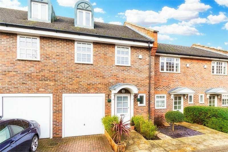 3 Bedrooms Town House for sale in Pepler Way, Burnham, Buckinghamshire