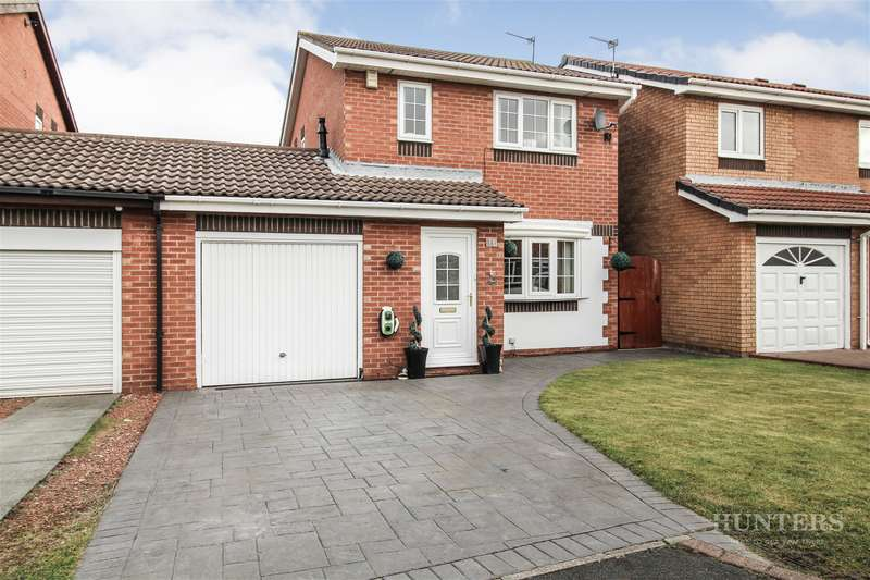 3 Bedrooms Detached House for sale in Stansted Close, Fulford Grange, Sunderland, SR5 3DH