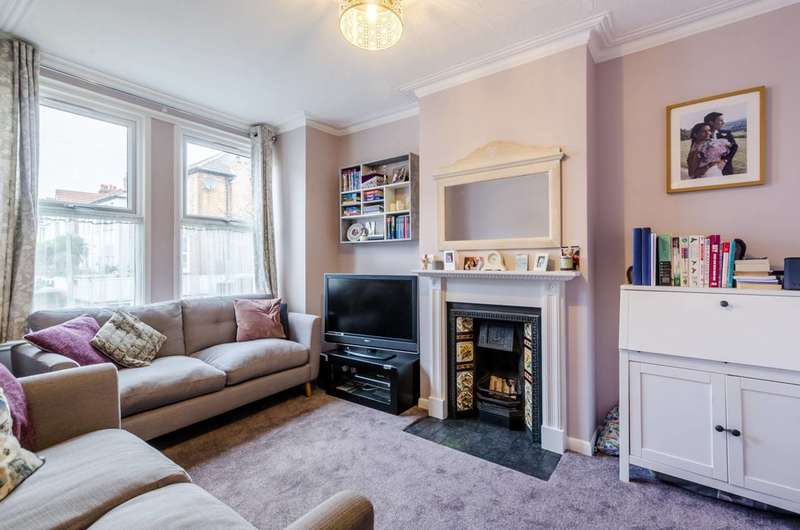 4 Bedrooms Terraced House for sale in Fernlea Road, Mitcham, CR4