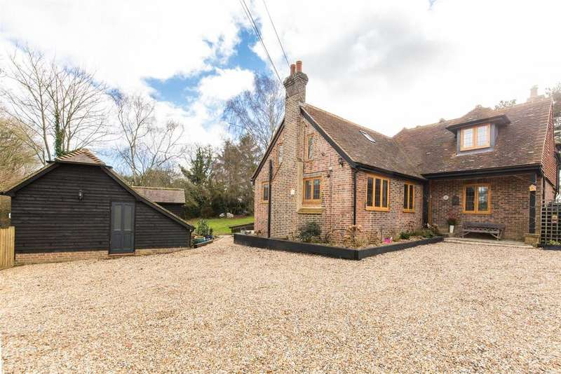 4 Bedrooms Detached House for sale in Chiddingly
