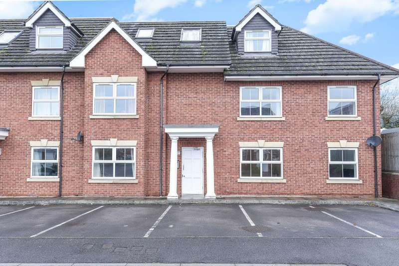 2 Bedrooms Flat for sale in Waters Reach, Maidenhead, SL6