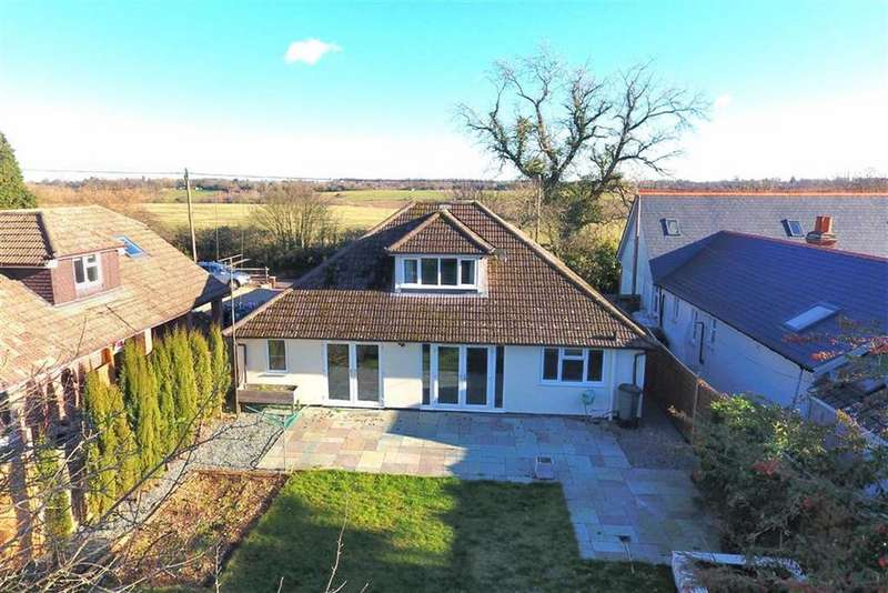 5 Bedrooms Detached House for sale in Tokers Green Lane, Tokers Green, Reading