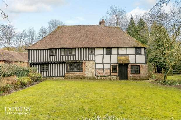 3 Bedrooms Detached House for sale in Ashford Road, Charing, Ashford, Kent