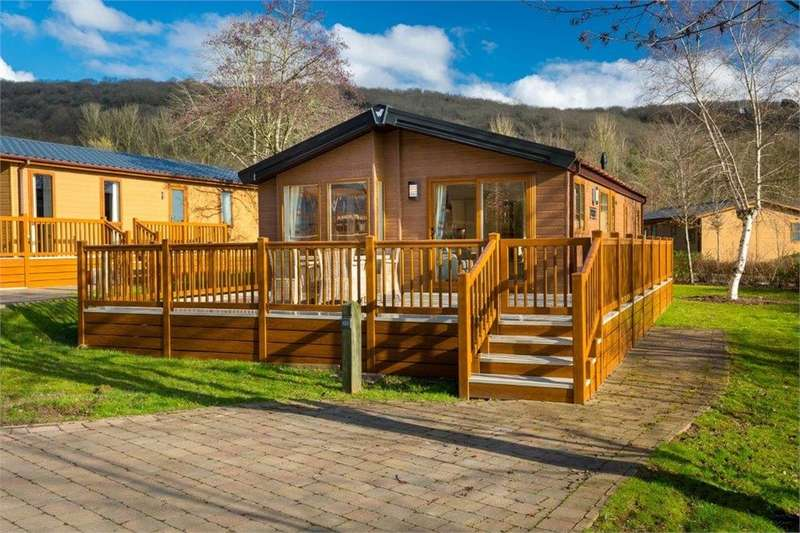 2 Bedrooms Park Home Mobile Home for sale in CA10 2JB Lowther Holiday Park Ltd, Eamont Bridge, Penrith, Cumbria