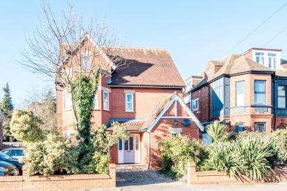 4 Bedrooms Detached House for sale in St Georges Road, Bedford, Bedfordshire