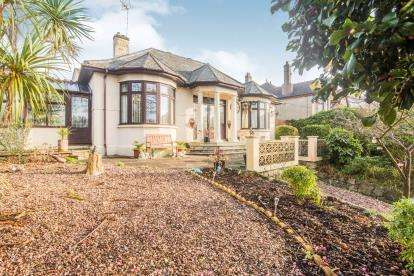 5 Bedrooms Bungalow for sale in St Austell, Cornwall