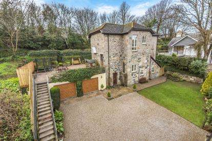4 Bedrooms Detached House for sale in Gulval, Penzance, Cornwall