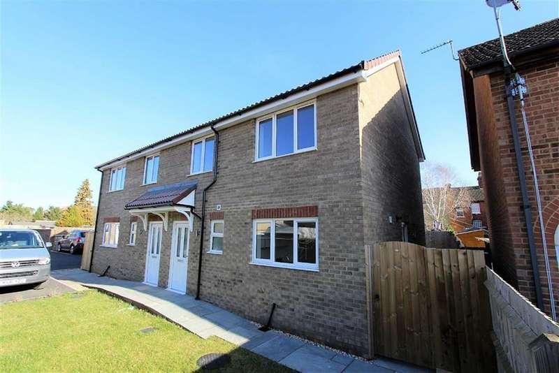 2 Bedrooms Semi Detached House for sale in Vandyke Road, Leighton Buzzard