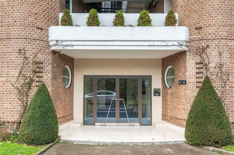 3 Bedrooms Flat for sale in Fairacres, Roehampton Lane, London, SW15