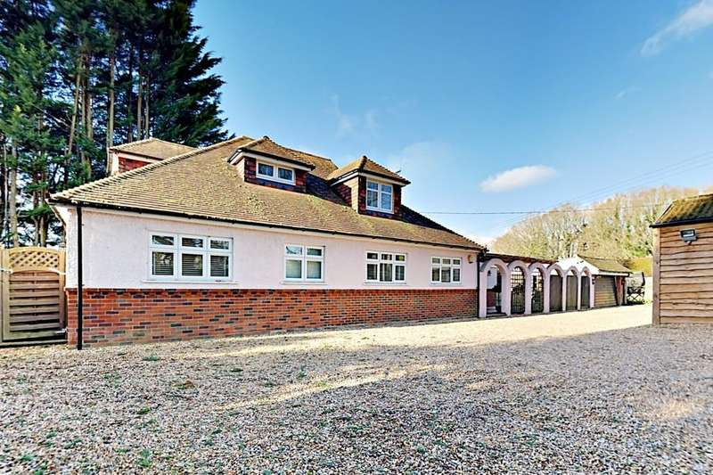 4 Bedrooms Detached House for sale in Harpers Road, Ash, GU12