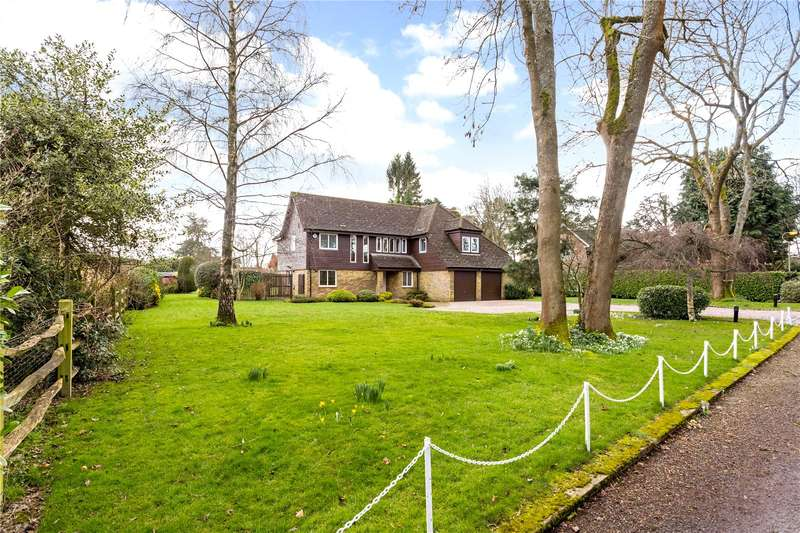 4 Bedrooms Detached House for sale in Tandridge Road, Warlingham, Surrey, CR6