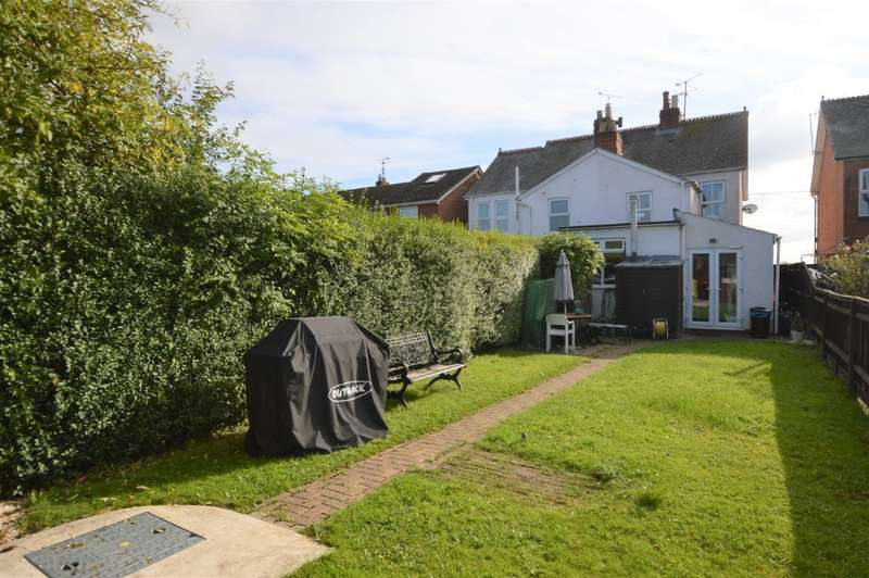 3 Bedrooms Semi Detached House for sale in Grazeley, Reading, RG7