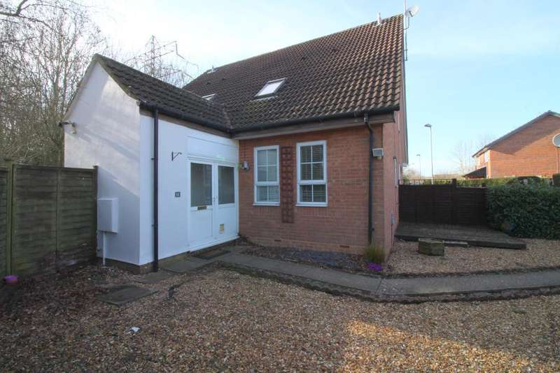 1 Bedroom Cluster House for sale in Shingle Close, Luton, Bedfordshire, LU3 4AR