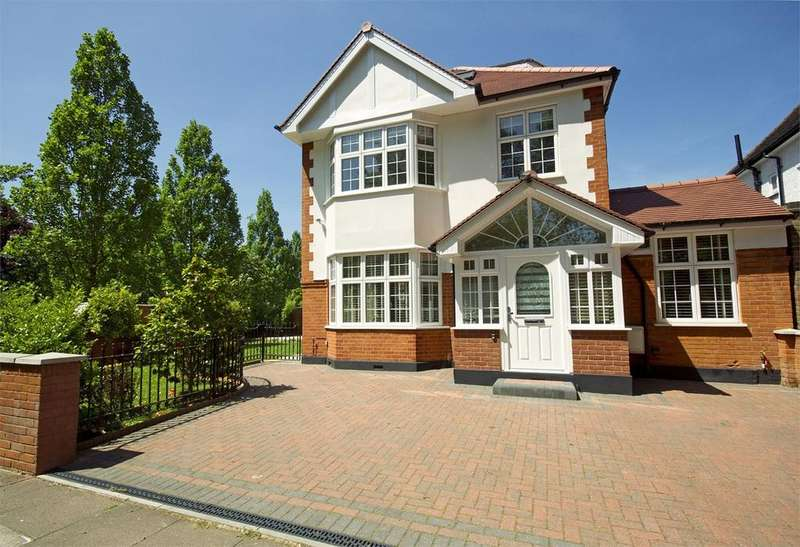 4 Bedrooms Detached House for rent in Park Road, London, W4