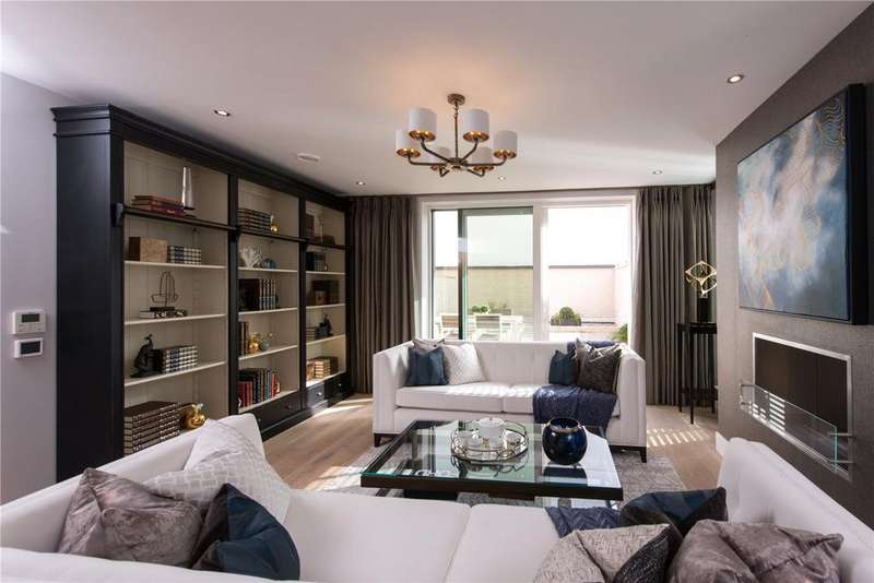 4 Bedrooms Semi Detached House for sale in Chiswick High Road, Chiswick, London, W4