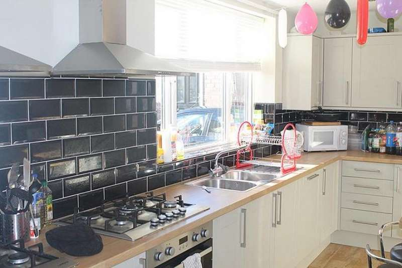 8 Bedrooms Terraced House for rent in 1 Wiseton Road, STUDENT HOUSE - INCLUDES INTERNET!, Sheffield S11 8SB