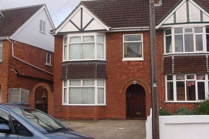 8 Bedrooms Terraced House for rent in Portswood Avenue, Southampton