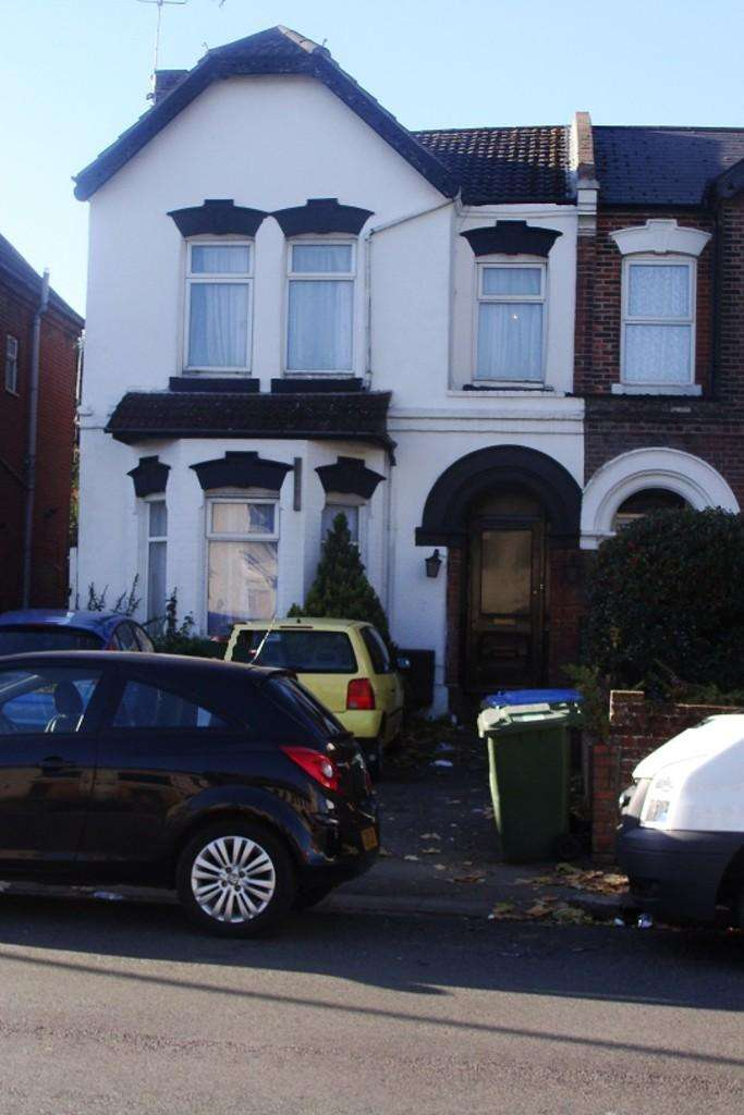 9 Bedrooms Terraced House for rent in Portswood Road, Southampton