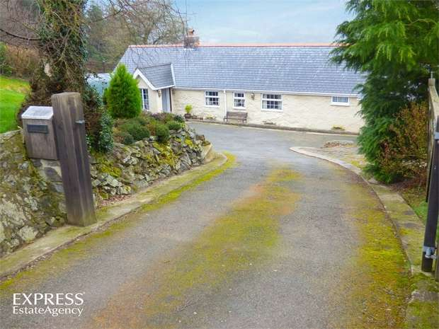 3 Bedrooms Detached House for sale in Betws Yn Rhos, Abergele, Conwy