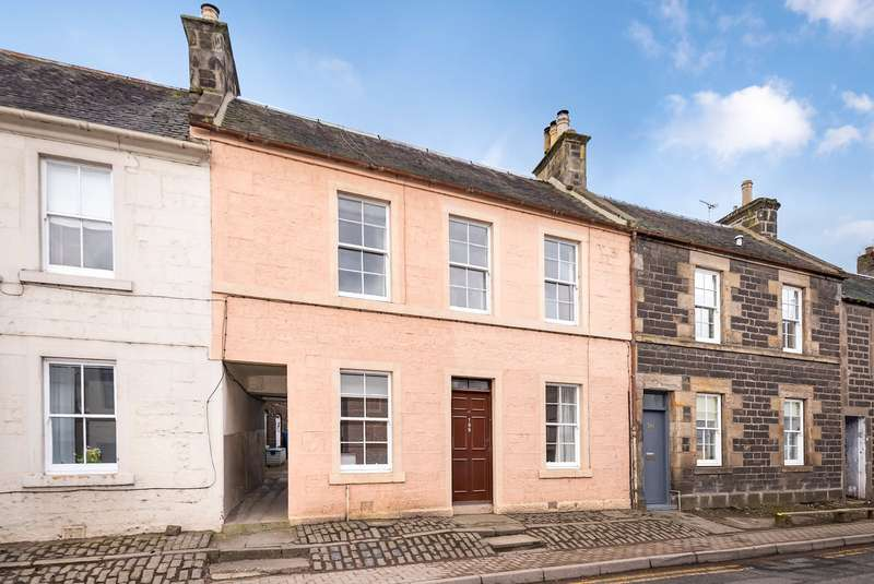 3 Bedrooms Terraced House for sale in 199 High Street, Newburgh, Cupar, Fife, KY14