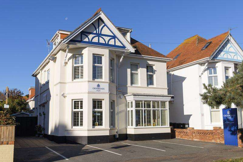 7 Bedrooms Guest House Commercial for sale in Grand Avenue, Southbourne, Bournemouth