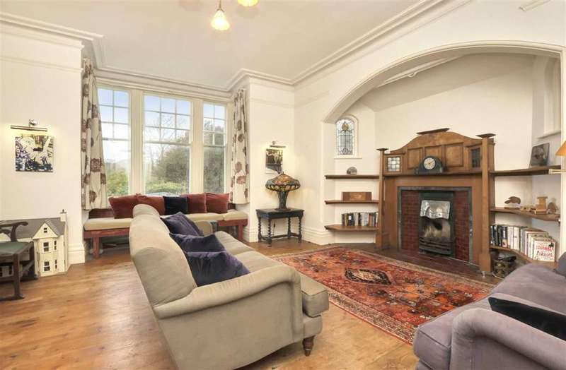 4 Bedrooms Semi Detached House for sale in East Drive, Brighton, East Sussex