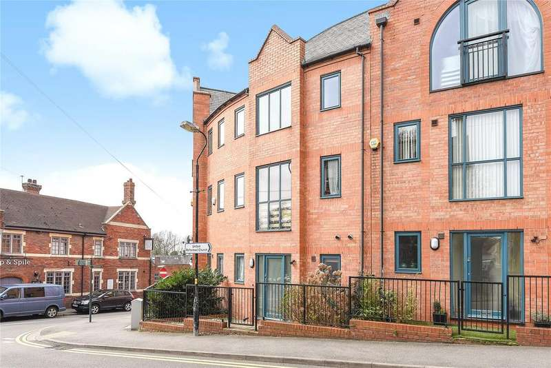 4 Bedrooms Terraced House for sale in Cordage Court, Lincoln, LN1