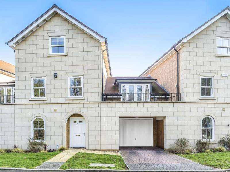4 Bedrooms Town House for sale in Reservoir Crescent, Reading, RG1