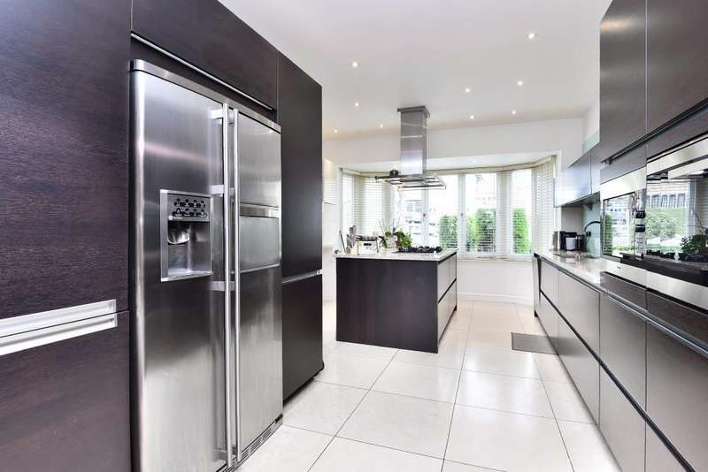 5 Bedrooms Detached House for sale in Parklands Drive, Finchley, N3