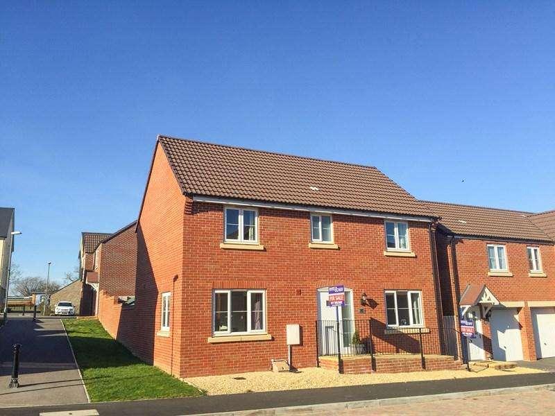 4 Bedrooms Detached House for sale in The Mead, Keynsham, Bristol