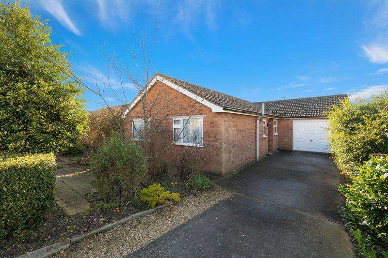 2 Bedrooms Bungalow for sale in Thornton Crescent, Horncastle