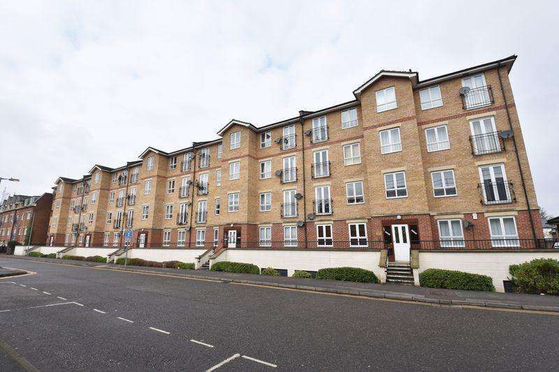 2 Bedrooms Flat for sale in Grove Road, Luton