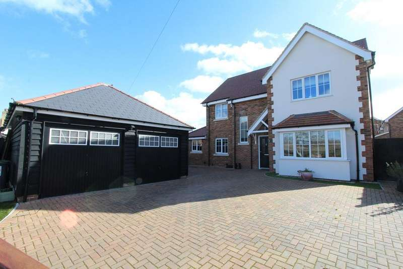 4 Bedrooms Detached House for sale in Luton Road, Wilstead, Bedford, MK45