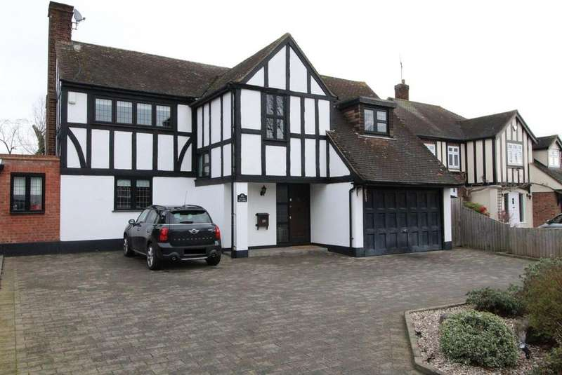 4 Bedrooms Detached House for sale in The Fairway, Upminster, Essex, RM14