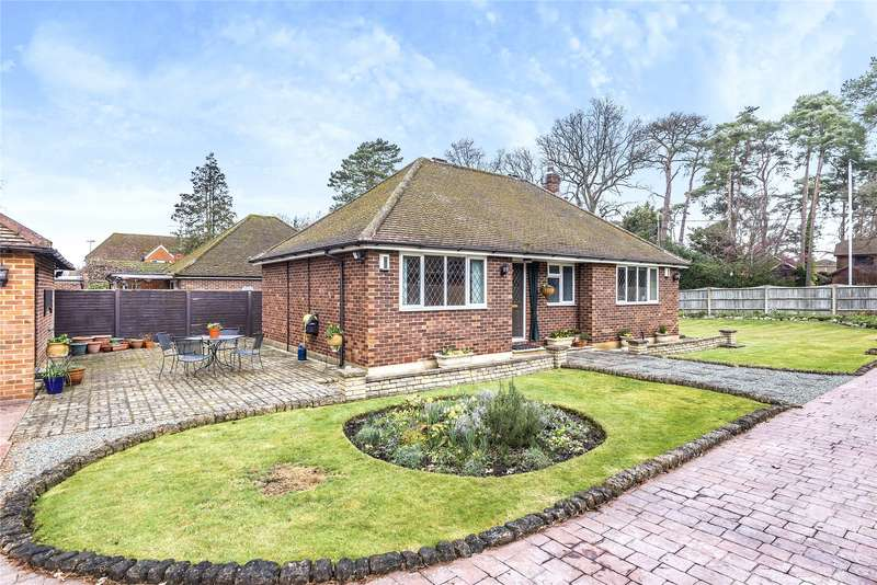 3 Bedrooms Detached Bungalow for sale in Barkham Ride, Wokingham, Berkshire, RG40