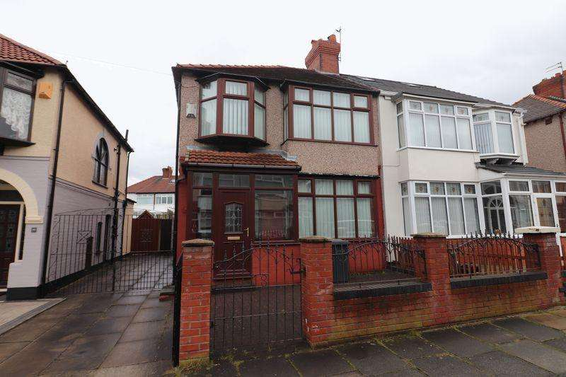 3 Bedrooms Semi Detached House for sale in Strafford Drive, Bootle