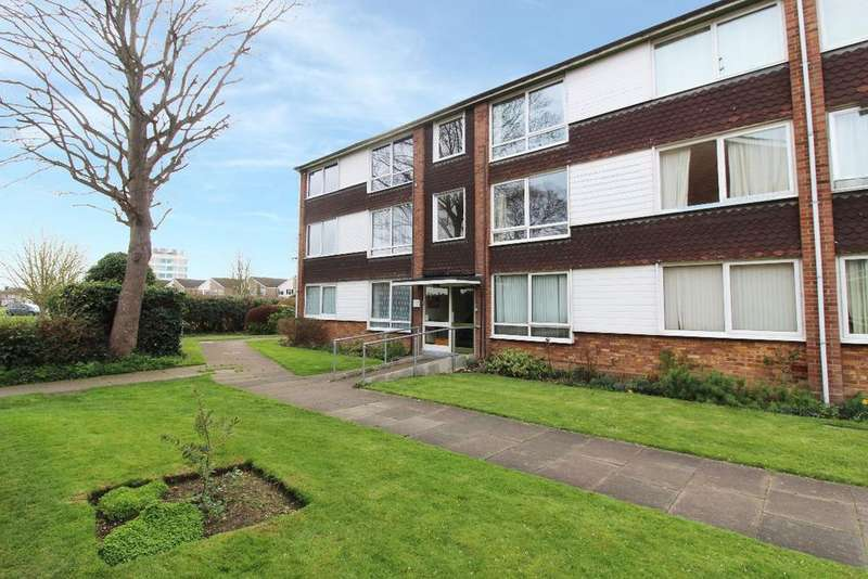 2 Bedrooms Flat for sale in West Court, Goldington Green, Bedford MK41