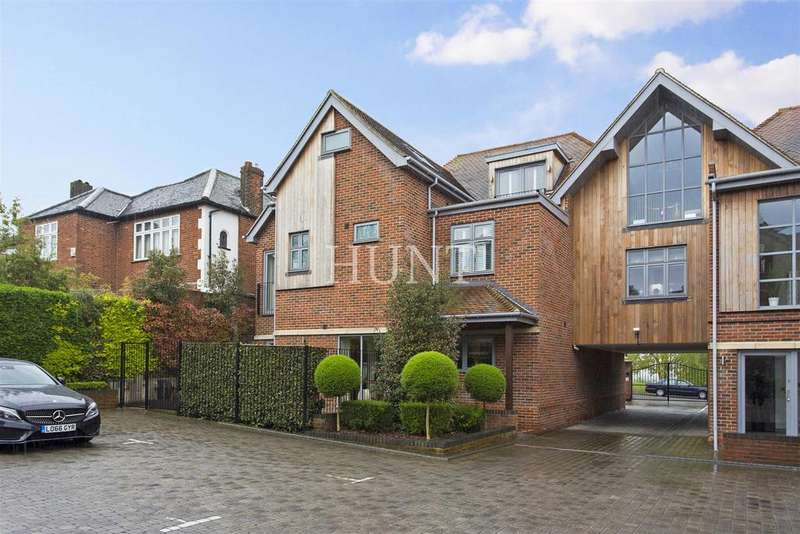 2 Bedrooms Apartment Flat for rent in Manor Road, Chigwell, Essex