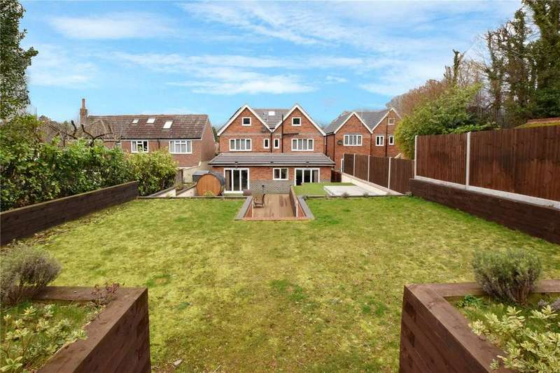 6 Bedrooms Detached House for sale in Tunnel Wood Road, Watford, Hertfordshire, WD17