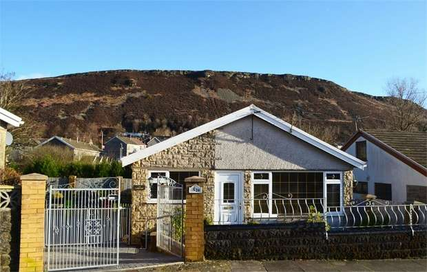 2 Bedrooms Detached Bungalow for sale in Oakdale Road, Tonypandy, Mid Glamorgan